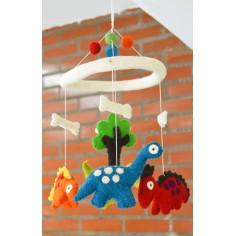 Movil Carrusel Dinosaurio para bebes. Hecho a mano de fieltro