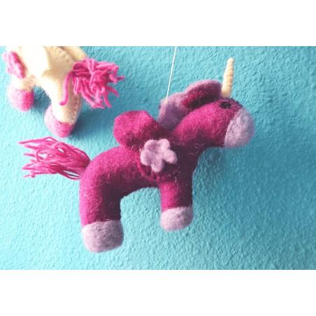 Movil Carrusel de Unicornio hecho a mano. Regalos etnicos y alternativos para bebes